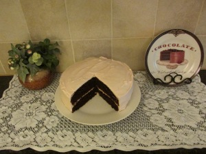 chocolate cake-pink frosting 004